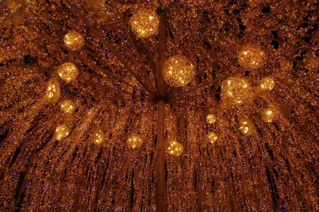 2010年12月21日洞爺湖温泉イルミネーショントンネル 3.jpg
