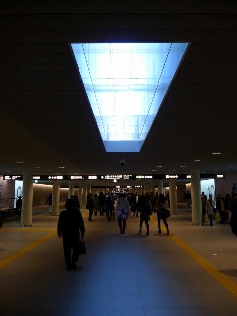 2011年3月28日札幌駅と大通間の地下通路.jpg